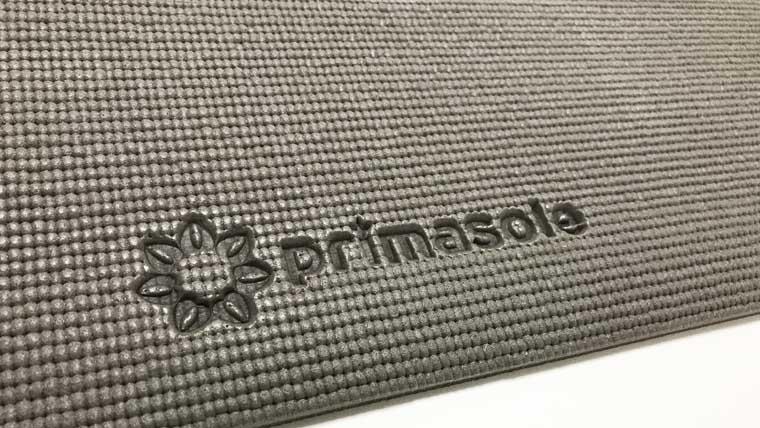 アマゾンprimasole8mmヨガマットロゴ