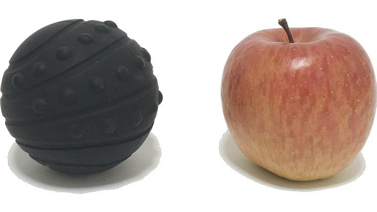 プリマソーレバイブレーションボールミニとリンゴの比較